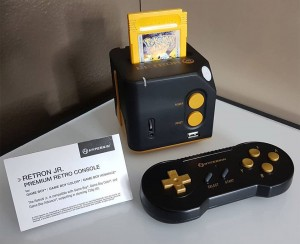 hyperkin_retron_jr_game_boy_console_1